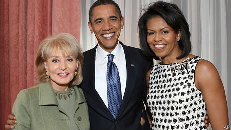 La presentadora Barbara Walters con los Obama