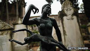 Dos esculturas