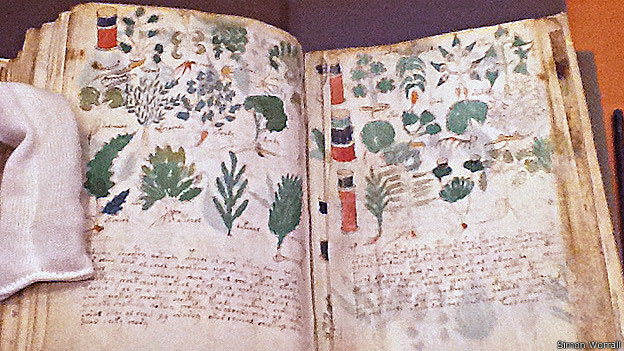 Manuscrito de Voynich - linguagem e ilustrações indecifráveis