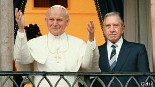 Juan Pablo II y Augusto Pinochet