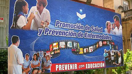 Cartel frente al Ministerio de Salud