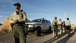 Policías en Nevada