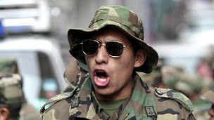 Soldado en Bolivia (foto: Reuters)