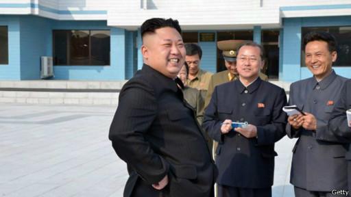 Ким Чен Ын на стадионе молодежного лагеря