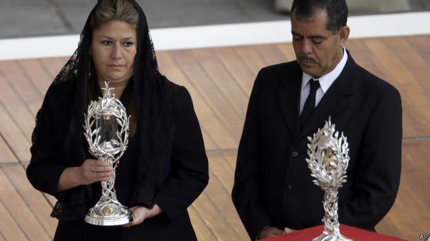 Floribeth Mora na santificação de João Paulo 2. Foto: AP