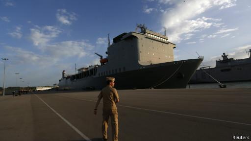Американский корабль по уничтожению химоружия