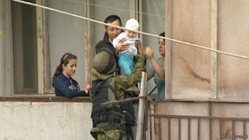 Эвакуация мирных жителей из зоны КТО в Дагестане