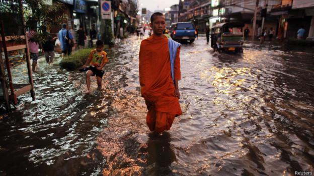 Inundação em Bangkok (Reuters)