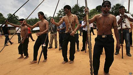 Indígenas sarayaku