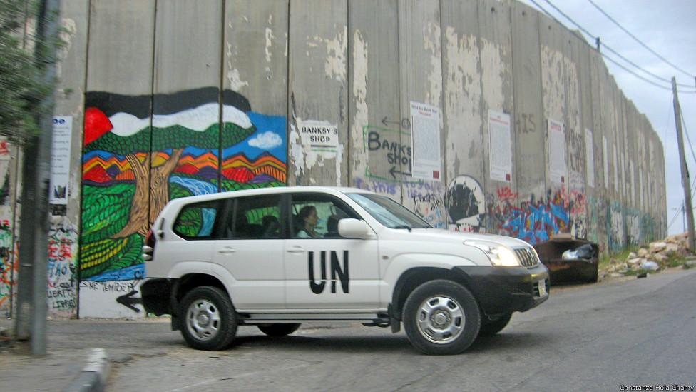 Repórter da BBC Mundo visitou o local e encontrou obras de artistas locais, Banksy e homenagem a latino-americanos.