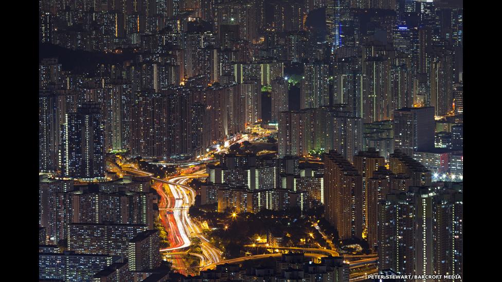 La jungla de concreto de Kowloon Bay, un laberinto interminable de edificios de apartamentos.