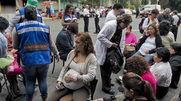 Personas evacuadas en Ciudad de México