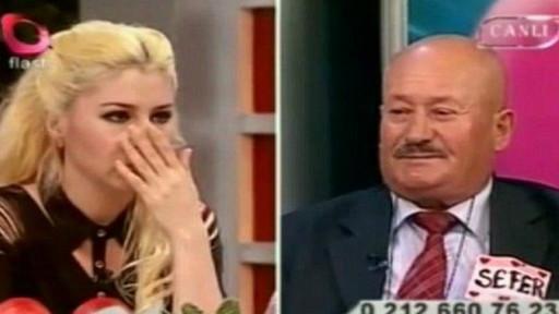 Sefer Calinak y la presentadora
