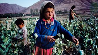 Exposição em Londres reúne os registros da cultura e do povo afegão feitos pelo premiado fotógrafo americano (Crédito: Steve McCurry/Magnum Photos)