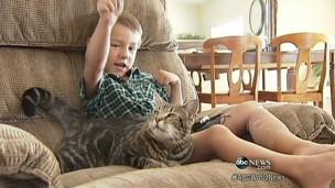 Jeremy com a gata Tara