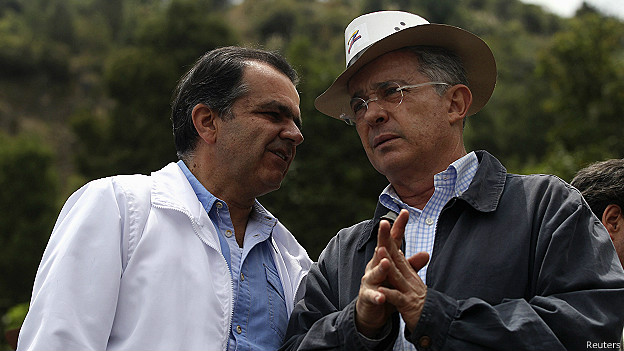 Óscar Iván Zuluaga y Álvaro Uribe