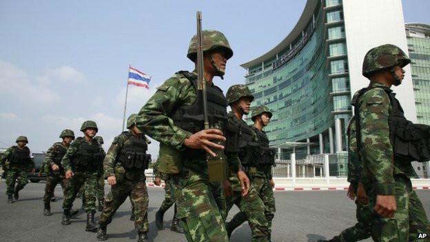 Exército da Tailândia decreta lei marcial no país