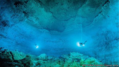 Cueva en Hoyo Negro, México