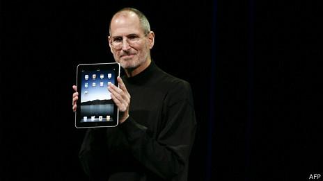 Steve Jobs con un iPad