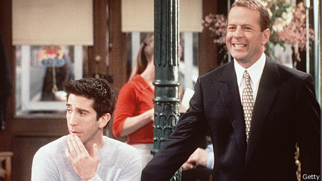 Bruce Willis en su aparición en Friends