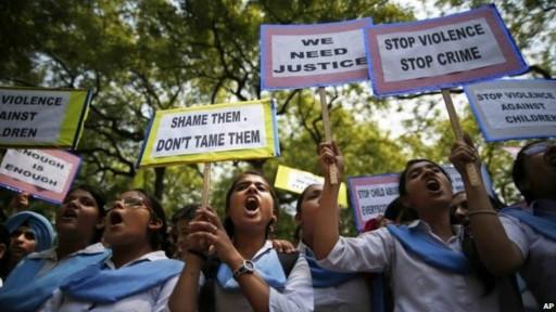 Protesto contra estupro na Índia (AP)