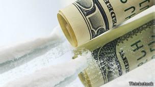 Cocaína y dólares