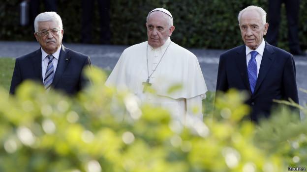 Shimon Peres, presidente israelí, Mahmoud Abbas, titular de la Autoridad Palestina y el papa Francisco