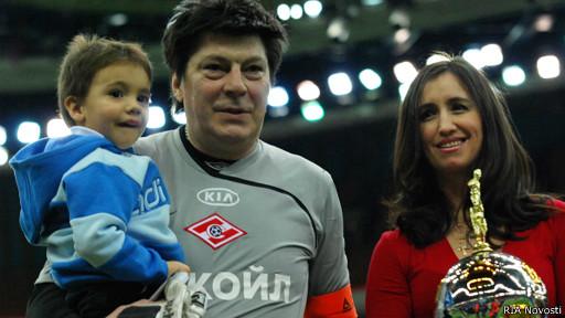 Ринат Дасаев с женой и сыном