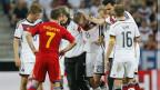 Marco Reus, da Alemanha, sai carregado após lesão que o tirou da Copa do Mundo