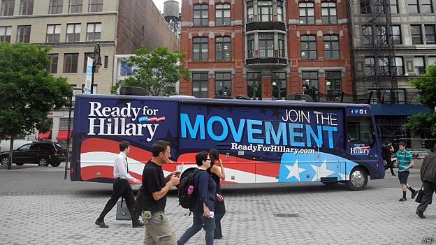 """Bus de """"Listo por Hillary"""""""