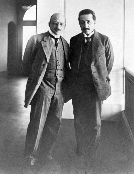 Fritz Haber (izq), Albert Einstein (der)