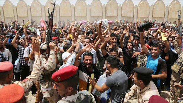 इराक़ के शहर में चरमपंथियों का कब्ज़ा