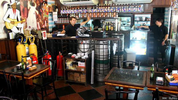 Interior del bar Casa Brasil