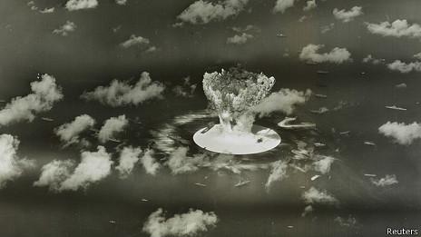 Imagen de una de las pruebas nucleares de EE.UU. en las Islas Marshall en 1946.
