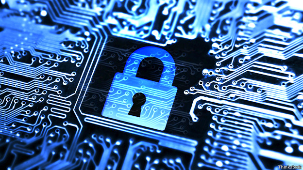 Ilustración de un candado y circuitos digitales representando seguridad en internet