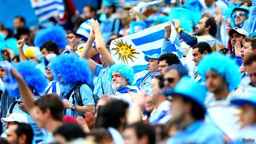 Hinchas uruguayos en Italia