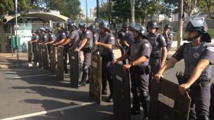 Unidade de controle de distúrbios da polícia de São Paulo (foto: BBC)