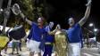 Torcedores franceses comemoram vitória sobre a Suíça (AFP/Getty)