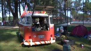 Acampamento de torcedores holandeses | Crédito: BBC Brasil