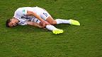 Jugador estadounidense tirado en el piso