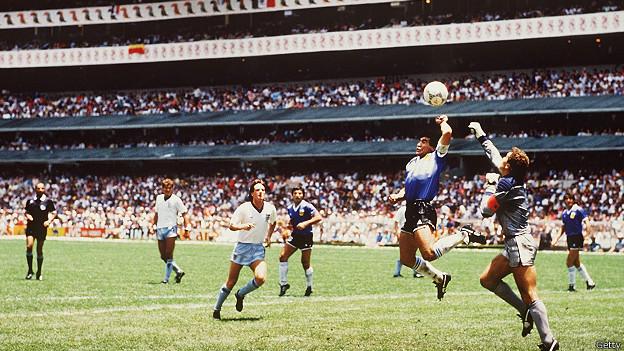 """La """"mano de Dios"""" de Maradona"""