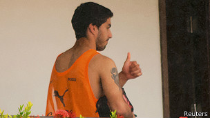 Suárez en el hotel de Brasil, antes de volver a Uruguay