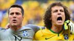 Equipo de Brasil entonando su himno nacional