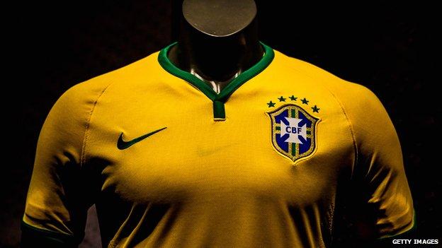 """ما قصة """"رمزية"""" القميص الأصفر لدى البرازيليين؟ 140628114909__754798"""