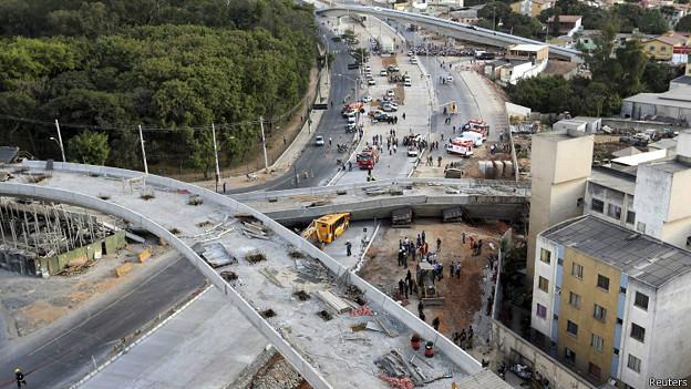 Puente caído en Belo Horizonte