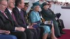 女王为新航母命名