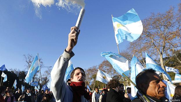 """Protesta en Argentina contra los """"fondos buitre"""""""