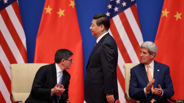 虽然在官方话语里,中美两国关系前景仍十分明朗,但两国关系的现实,却愈发如两条越行越远和不相交的平行线。
