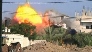 Israelenses atacaram casas, túneis e bases de onde alega-se que os palestinos disparem foguetes (BBC)