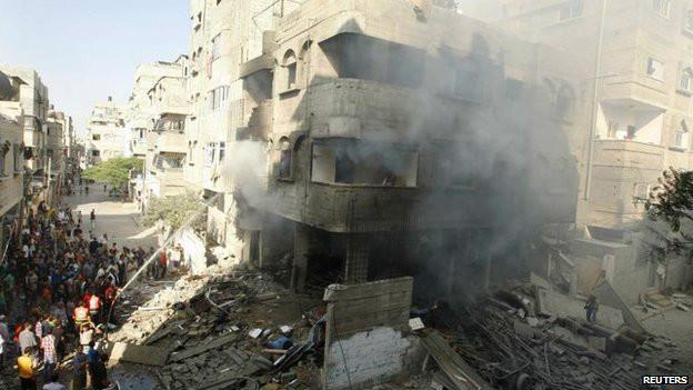 Edificio bombardeado por Israel en Ciudad de Gaza
